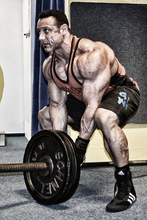 Etwas Neues genug Die besten Rückenübungen zum Muskelaufbau @AP_09