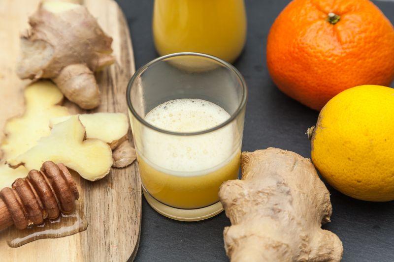 Leckere und Gesunde Ingwer Shots mit Zitrone und Orange