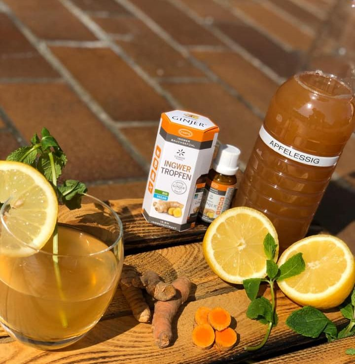 Ingwershot mit Kurkuma, Zitrone und Apfelessig