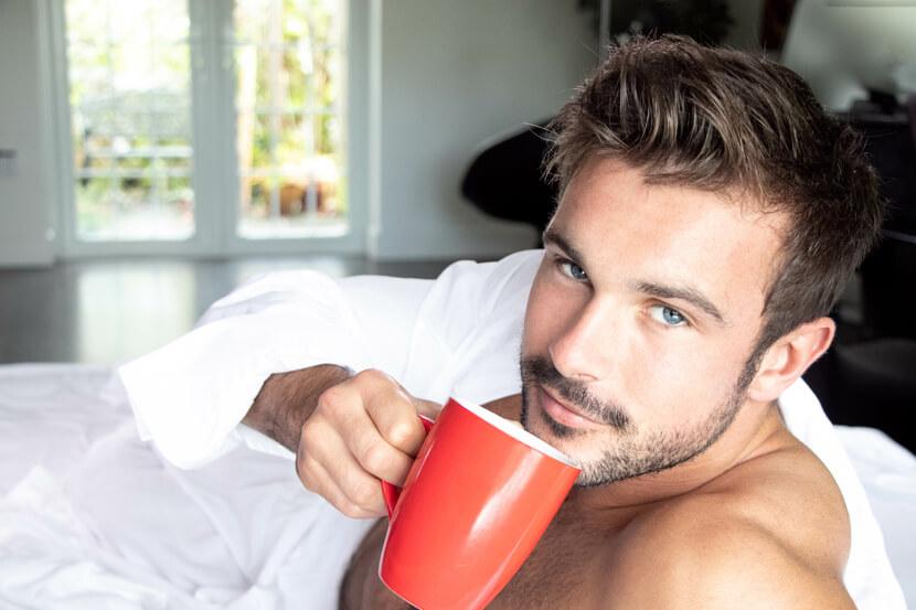Tee Trinken am Abend - Vorbereitung auf Schlaf