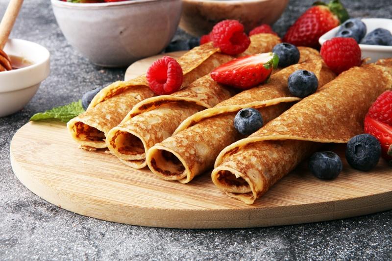 Protein Pfannkuchen dünn gebacken zum Frühstück