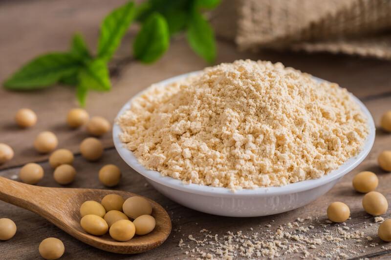 Sojaproteinpulver und Sojabohnen