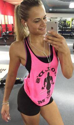Frauen, die versuchen, fit zu werden, im vergleich zu männern