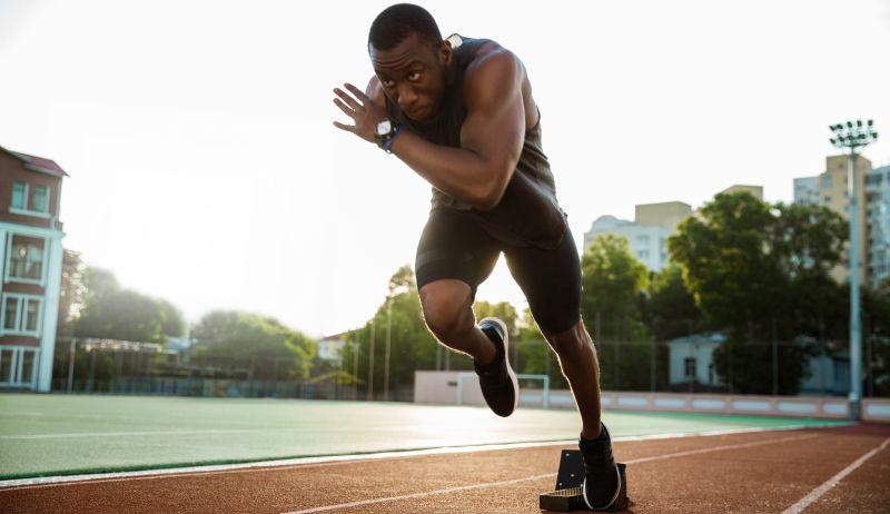 Sprinter nach erfolgreichem Schnellkrafttraining