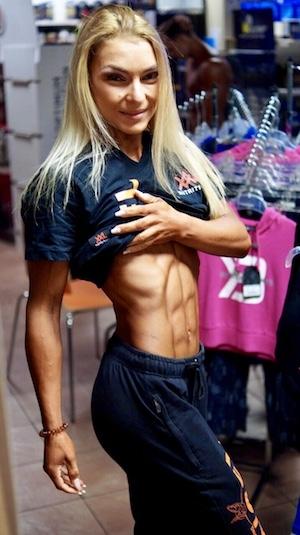 Bauchtraining mit Fitness Athletin Viola Lorenz