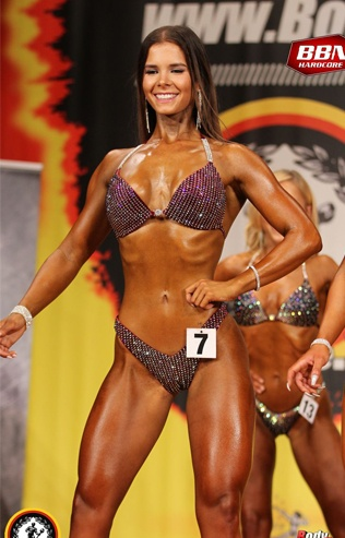Carmen Clemens Bikini Fitness Athletin