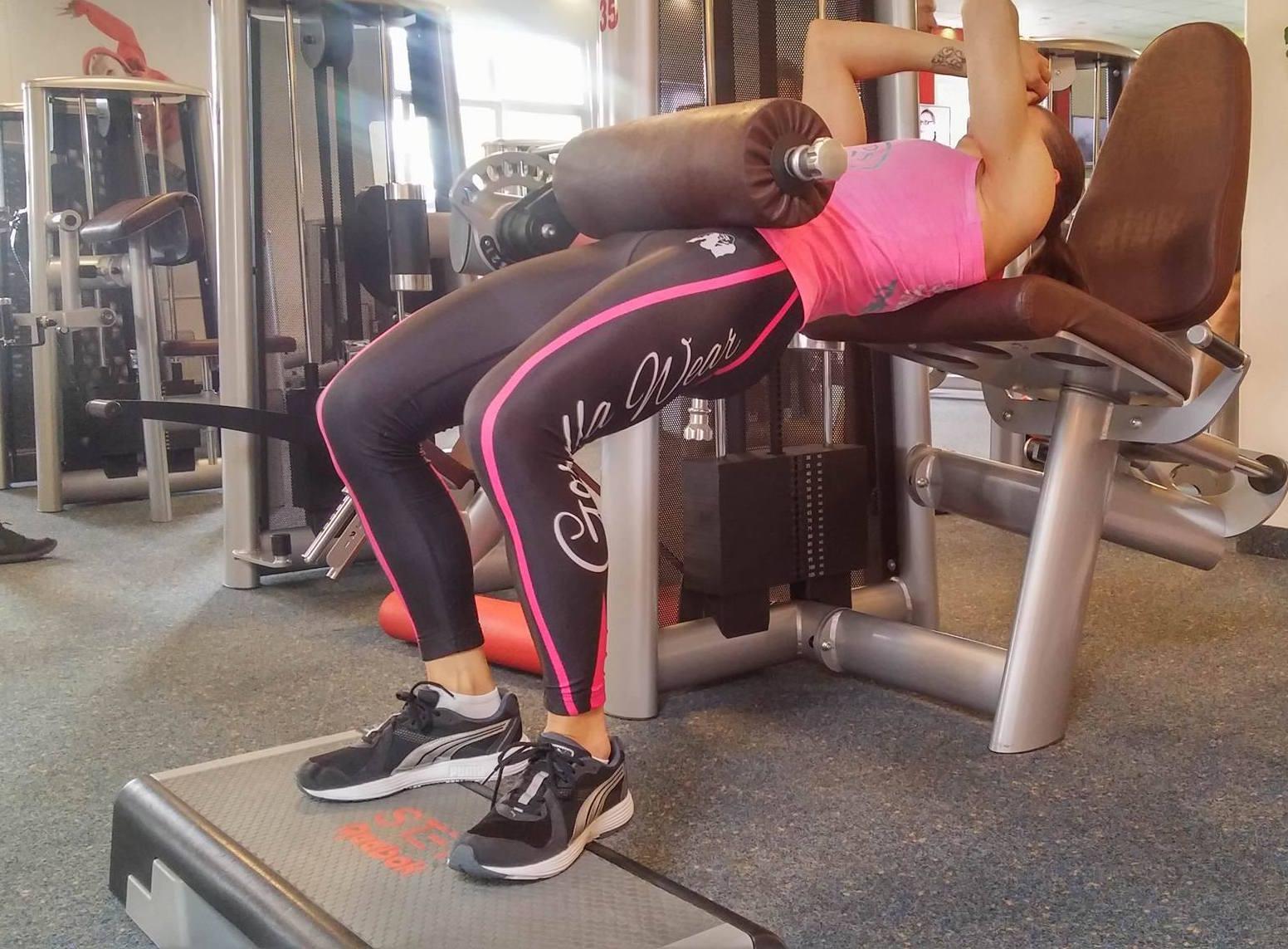 Hipthrust für eine trainierte Po-Muskulatur trainierte Po-Muskulatur