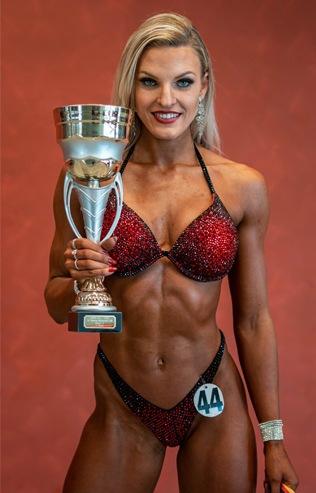 Mascha Stutz Bikini Fitness Atheltin